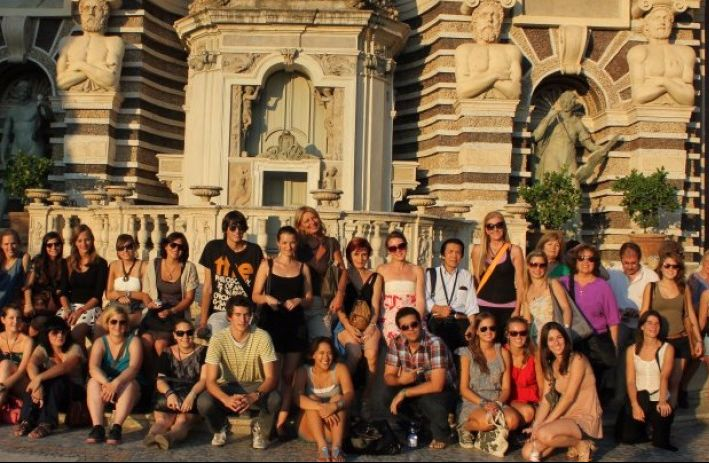 Students on a city tour in Rome